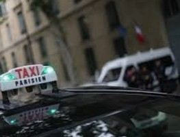 海外旅行先でタクシーは利用しますか
