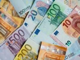 海外旅行、現金はどのくらい必要ですか
