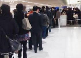 列に並ぶという意識は日本人と違います